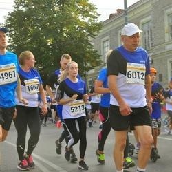 Tallinna Maratoni Sügisjooks 10 km - Kadi Veeroos (1667), Tavo Tiits (4961), Alina Tenitskaja (5213), Aavo Halling (6012)