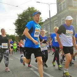 Tallinna Maratoni Sügisjooks 10 km - Tavo Tiits (4961), Aavo Halling (6012)