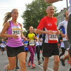Tallinna Maratoni Sügisjooks 10 km - Nick Pentreath (3527), Anastasia Belozertceva (3917)