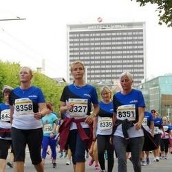 Tallinna Maratoni Sügisjooks 10 km - Ilvi Leis (8327), Annika Rooväli (8351), Katrin Tammets (8358)
