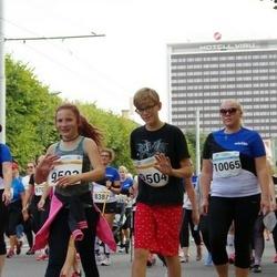 Tallinna Maratoni Sügisjooks 10 km - Karina Antonis (9503), Artur Bekker (9504)