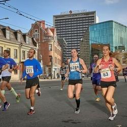 Tallinna Maratoni Sügisjooks 10 km - Katrina Stepanova (63), Nils Joonas Põldme (211), Brit Rammul (6288)