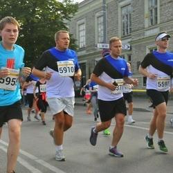 Tallinna Maratoni Sügisjooks 10 km - Tarmo Mutso (5910), Arnis Avar Sammalpärg (5955)