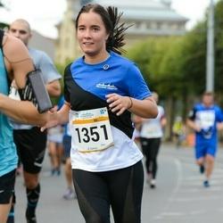 Tallinna Maratoni Sügisjooks 10 km - Anna Grund (1351)