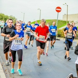 Tallinna Maratoni Sügisjooks 10 km - Elevi Piperal (1515), Berit Brandt (2994), Rein Toodu (6122)