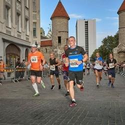 Tallinna Maratoni Sügisjooks 10 km - Aadu Polli (562), Jaanus Kaasik (4800)