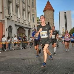 Tallinna Maratoni Sügisjooks 10 km - Kalle Palmar (1212), Terle Kask (2995), Anastasia Belozertceva (3917), Maksims Gorbacs (5627)