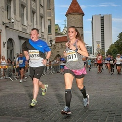 Tallinna Maratoni Sügisjooks 10 km - Agnese Lagzdina (3371), Andrus Kukk (4978)
