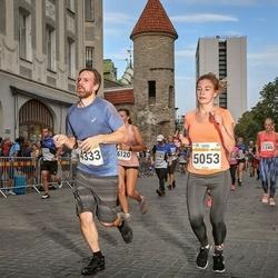 Tallinna Maratoni Sügisjooks 10 km - Arno Pae (4333), Ljubov Davydova (5053)