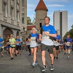 Tallinna Maratoni Sügisjooks 10 km - Külli Tell (1030), Artem Stepanenko (5295)