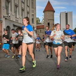 Tallinna Maratoni Sügisjooks 10 km - Anna Markova (1289), Madleen Tõnisson (1297)