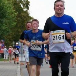 Tallinna Maratoni Sügisjooks 10 km - Andres Teder (2164), Andre Jermakov (3729)