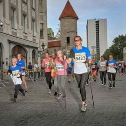 Tallinna Maratoni Sügisjooks 10 km - Silver Pramann (461), Jelena Frolovskaja (9423), Anna Peterson (12476)