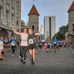 Tallinna Maratoni Sügisjooks 10 km - Rita Alas-Järv (609), Anastassia Saar (2275)