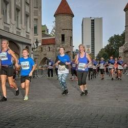 Tallinna Maratoni Sügisjooks 10 km - Henna Brandt (6105), Anna Khandogina (10803), Kirill Khandogin (10804), Ismo Björn (12009)