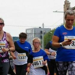 Tallinna Maratoni Sügisjooks 10 km - Natalja Tretjakova (1337), Aron Issi (4611)