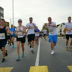 Tallinna Maratoni Sügisjooks 10 km - Aleksandra Ruzanov (1044), Anton Ruzanov (1102), Martti Krass (5692)