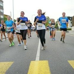 Tallinna Maratoni Sügisjooks 10 km - Jenny-Vanh Delcroix Saycocie (859), Anneli Mataloja (1025), Arnold Viinamäe (5526)