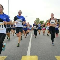 Tallinna Maratoni Sügisjooks 10 km - Vanessa Jalakas (566), Anna Grund (1351), Sten Luiga (1989)