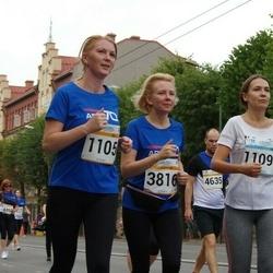 Tallinna Maratoni Sügisjooks 10 km - Tatjana Makarova (1105), Anna-Liisa Sulakatko (3816)