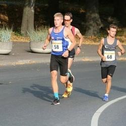 Tallinna Maratoni Sügisjooks 10 km - Christopher Kalev (58), Andris Ascuks (68)