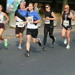 Tallinna Maratoni Sügisjooks 10 km - Ago Teder (216), Marek Lints (288), Markus Tammist (5364)