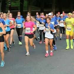 Tallinna Maratoni Sügisjooks 10 km - Adele Metsniit (857), Johanna Brita Uusmees (1307)
