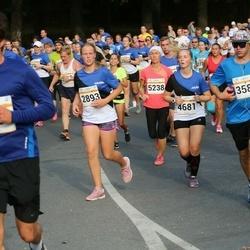 Tallinna Maratoni Sügisjooks 10 km - Birgit Rooväli (2893), Agnes Aguraiuja (4681), Merge Simmul (5238)