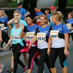 Tallinna Maratoni Sügisjooks 10 km - Ülle Rohi (9640), Lea Karik (9641), Annabel Maidre (12341)