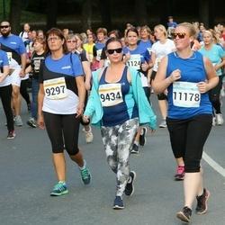 Tallinna Maratoni Sügisjooks 10 km - Anneli Roop (9297), Agni Radik (9434)