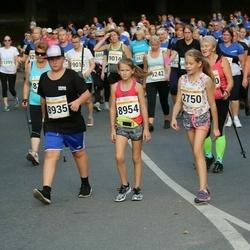 Tallinna Maratoni Sügisjooks 10 km - Kerstin Uustalu (2750), Remi Kuuseorg (8935), Brigitta Pihlakas (8954)