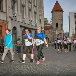 Tallinna Maratoni Sügisjooks 10 km - Annika Jõeorg (12432), Liis Palu (12433)