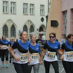 Tallinna Maratoni Sügisjooks 10 km - Sigrid Jaska -  Pilv (8311), Annika Lents (8328), Elika Soekov (8354)