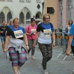 Tallinna Maratoni Sügisjooks 10 km - Karin Õue (8085), Arle Kõressaar-Vallimaa (8098)