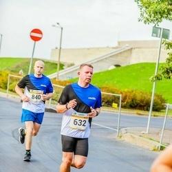 Tallinna Maratoni Sügisjooks 10 km - Markko Virkus (632), Aleksei Bãmtka (840)