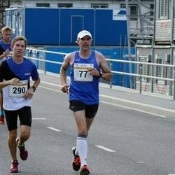 Tallinna Maratoni Sügisjooks 10 km - Christjan Lään (77), Christopher Christjan Lään (290)