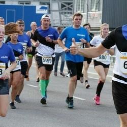 Tallinna Maratoni Sügisjooks 10 km - Aleksei Suhhovski (694), Eliise Luks (718)
