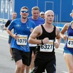 Tallinna Maratoni Sügisjooks 10 km - Jegor Sinitsõn (1079), Agate Kristapsone (4159), Enar Seeder (6327)