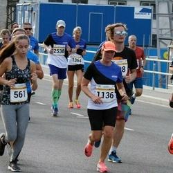 Tallinna Maratoni Sügisjooks 10 km - Hedi Teidearu (561), Annely Kaur (1136)