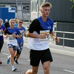 Tallinna Maratoni Sügisjooks 10 km - Kätlin Jakk (2211), Catherine Gibson (3033)