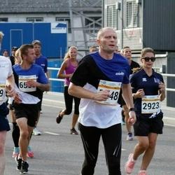 Tallinna Maratoni Sügisjooks 10 km - Björn Moritz (569), Marju Soonets (1148), Jautrite Pedane (2923)