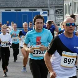 Tallinna Maratoni Sügisjooks 10 km - Tarmo Reiser (897), Helle Jürna (1884), Brigitte Salmus (2938)