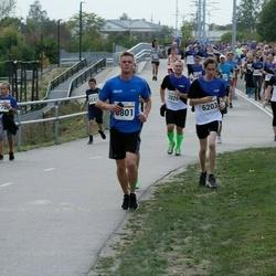 Tallinna Maratoni Sügisjooks 10 km - Kevin Saar (5801), Brenet Rahumägi (6203)