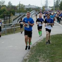 Tallinna Maratoni Sügisjooks 10 km - Aivar Pärlijõe (2026), Kevin Saar (5801), Brenet Rahumägi (6203)
