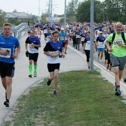 Tallinna Maratoni Sügisjooks 10 km - Aivar Pärlijõe (2026), Kevin Saar (5801), Ants Soosõrv (5902), Brenet Rahumägi (6203)