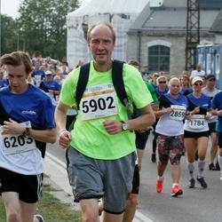 Tallinna Maratoni Sügisjooks 10 km - Ants Soosõrv (5902), Brenet Rahumägi (6203)
