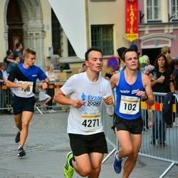 Tallinna Maratoni Sügisjooks 10 km - Janno Roosimets (102), Armin Allmäe (4271)