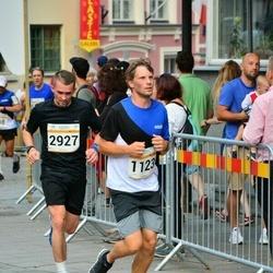 Tallinna Maratoni Sügisjooks 10 km - Kalev Kuljus (1123), Arnis Sevelkovs (2927)