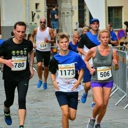 Tallinna Maratoni Sügisjooks 10 km - Agne Kivisaar (506), Aleksei Komarov (780), Joosep Palm (1173)