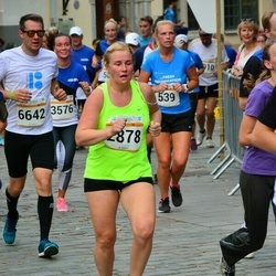 Tallinna Maratoni Sügisjooks 10 km - Imbi Loomets (2878), Artur Kask (6642)